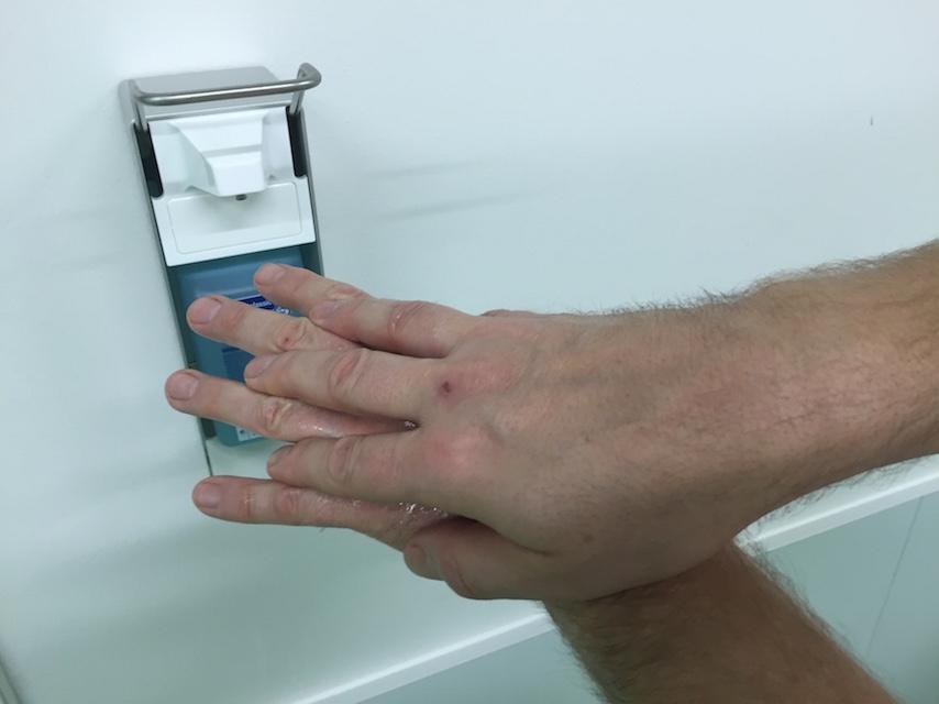 Hygienische Händedisinfektion