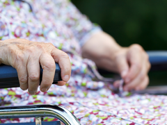 Pflegekunden mit Parkinson betreuen